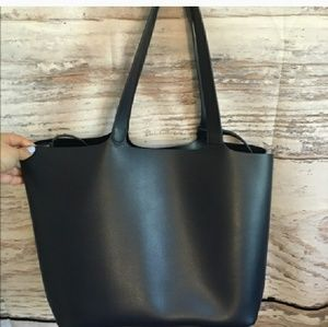 NWT soft Leather Tote-Navy